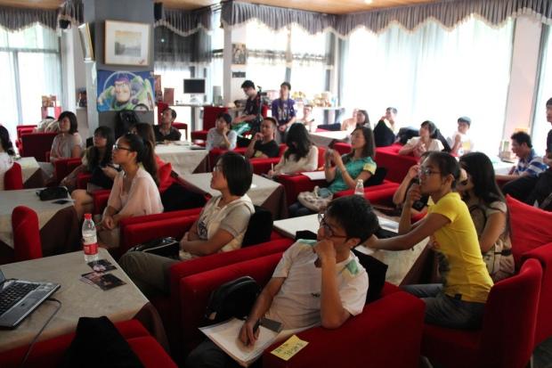 University students at Hangzhou, Zhejiang, courtesy of Laurence Whang